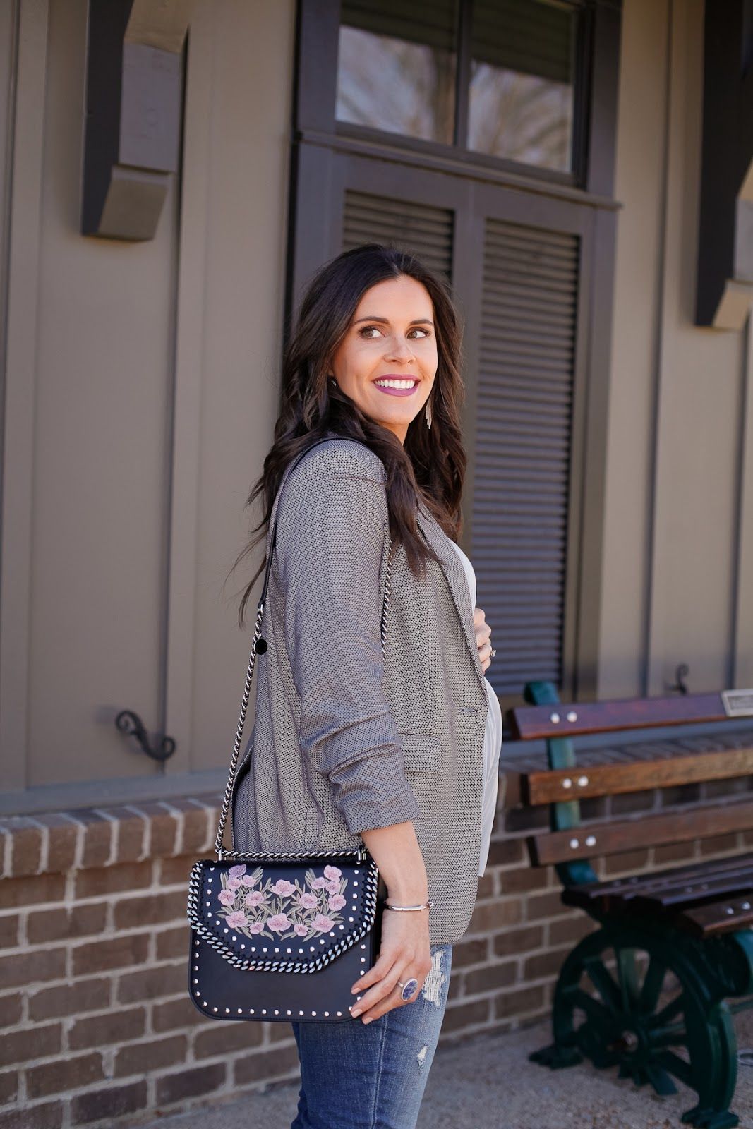 How to style a blazer while pregnant.