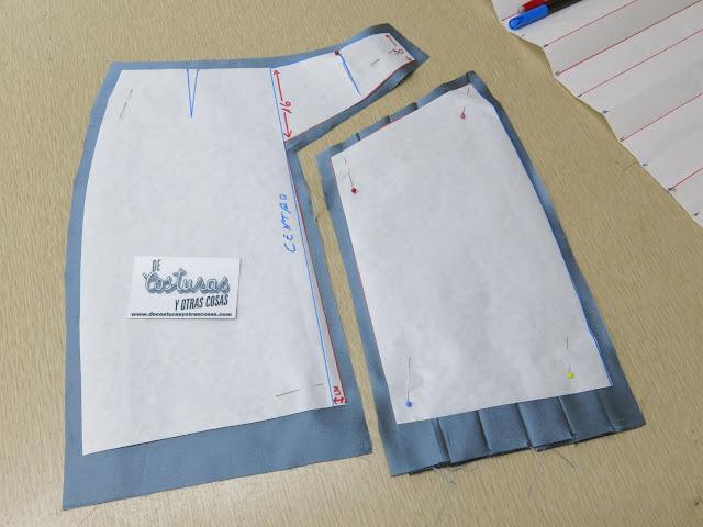 falda mixta recta evasé y plisada