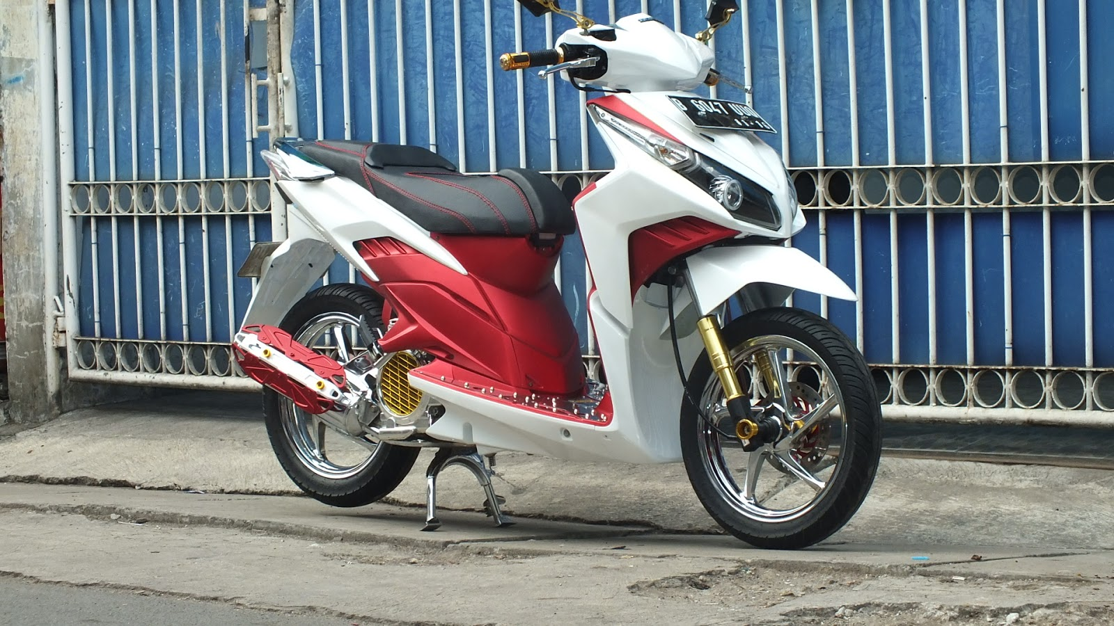 Modifikasi Vario Techno Putih Kumpulan Modifikasi Motor Vario