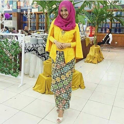 Model Kebaya Batik Kutubaru Cape
