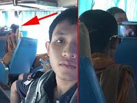Pemuda Ini Syok Saat Lihat Layar Ponsel Penumpang Lain Berpakaian Biksu Di Bus, Ia Ketahuan Nonton Film...