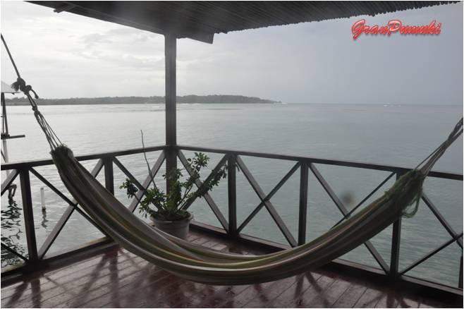 Amaca frente al mar en el hotel de Bocas del Toro. En Blog de Viajes, Bocas del Toro con niños