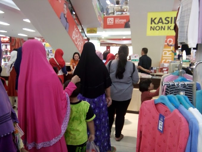 Antara Tanggal Tua di Mall, Maniak Menulis dan Menulis dalam Waktu 15 menit
