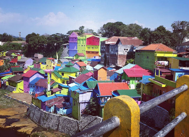 Kampung Warna Warni, Spot Instagramable di Malang yang Harus Kamu Kunjungi