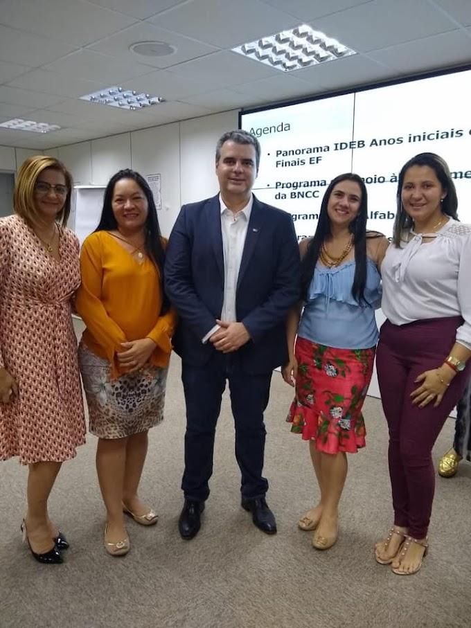 SECRETÁRIA DE EDUCAÇÃO PARTICIPA DE CURSO DE GESTÃO PÚBLICA EM BRASÍLIA