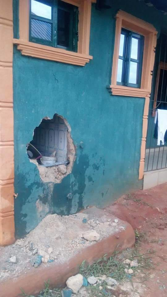 Armed robbers break into students' hostel at Delta State Polytechnic