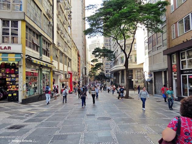 Vista ampla da Rua 15 de Novembro - Centro - São Paulo