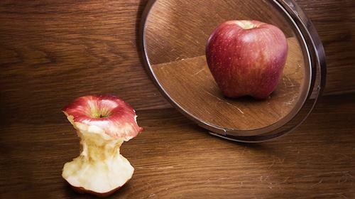 mirror-apple.jpg