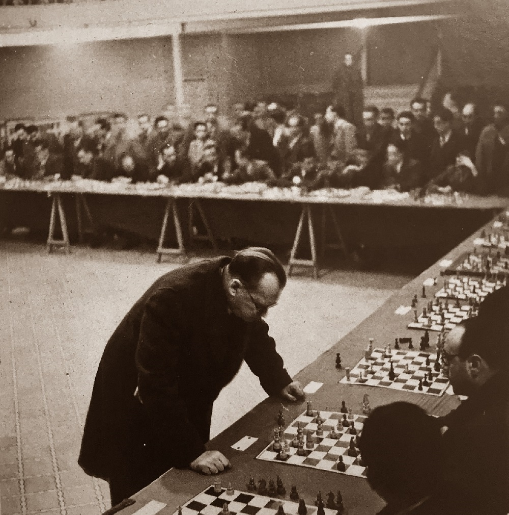 Simultáneas de Alexander Alekhine en Valls en 1944