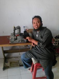 Pengrajin Sepatu Kulit Mojokerto