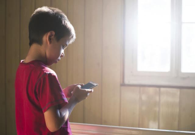 Có nên cho con dùng smartphone - cho con dùng smartphone như thế nào?
