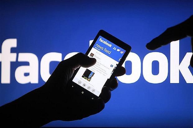 Menkominfo Ancam Facebook dan Twitter