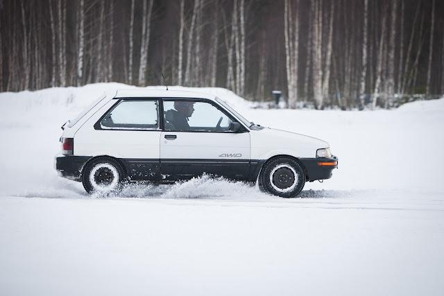 Subaru Justy, małe samochody z napędem na cztery koła, 4x4, awd, 4wd