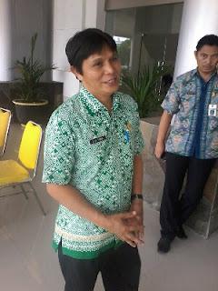 Kepala BKDD Minsel Drs Roy F Tiwa.