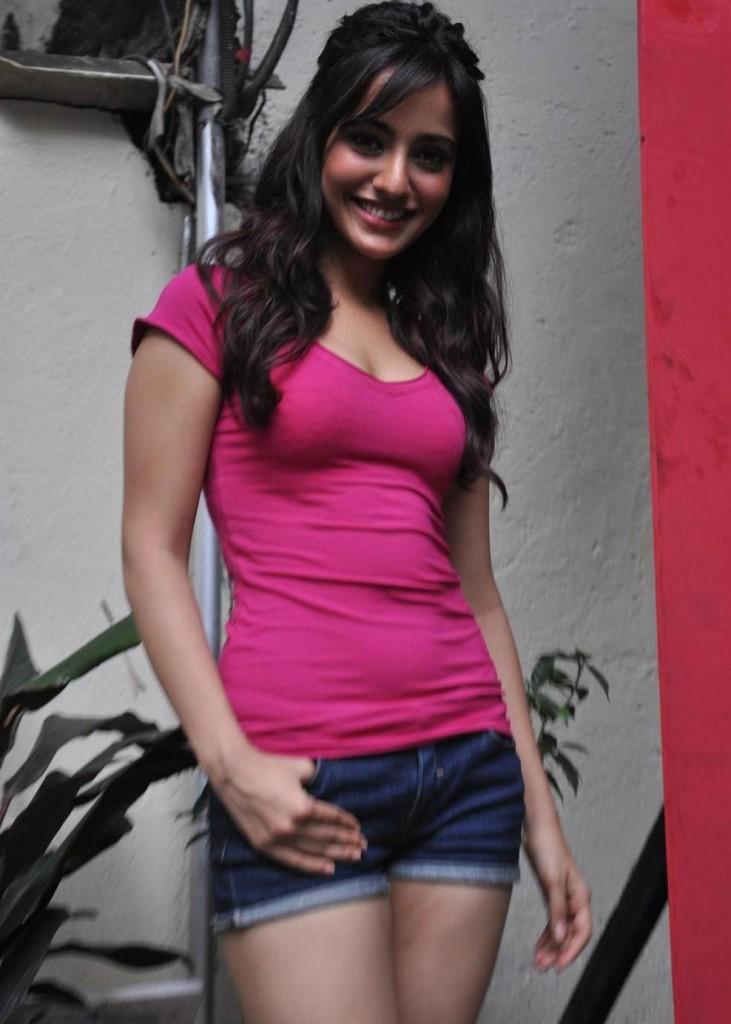Neha Sharma New-8560