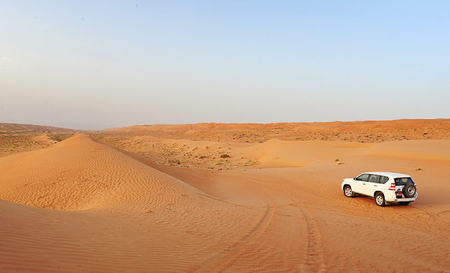 Najcenejši rent a car v Omanu - puščava Wahiba in Toyota Prado