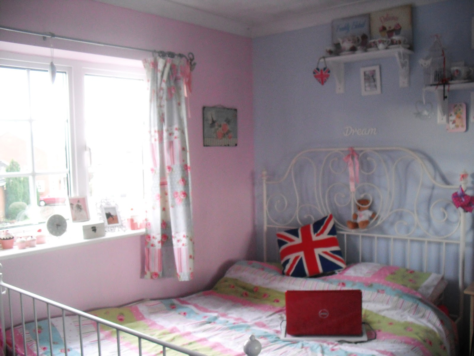 Inside my bedroom.. ♥ | Victoria\'s Vintage Blog