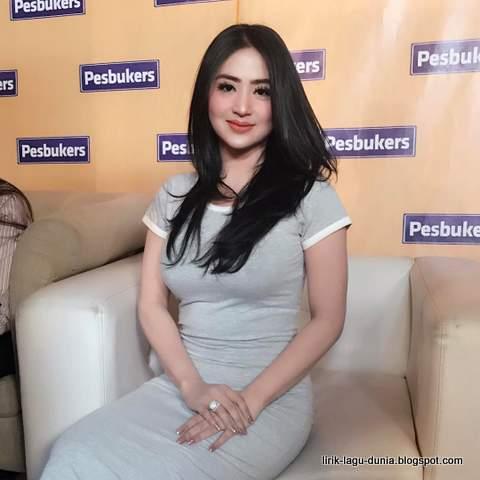 Dewi Persik - instagram 2017