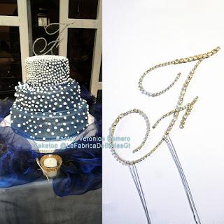 Cake top para pastel de boda con letras en cristales de venta en guatemala