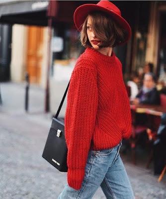 Bayan kırmızı kazak kombini yuvarlak yaka