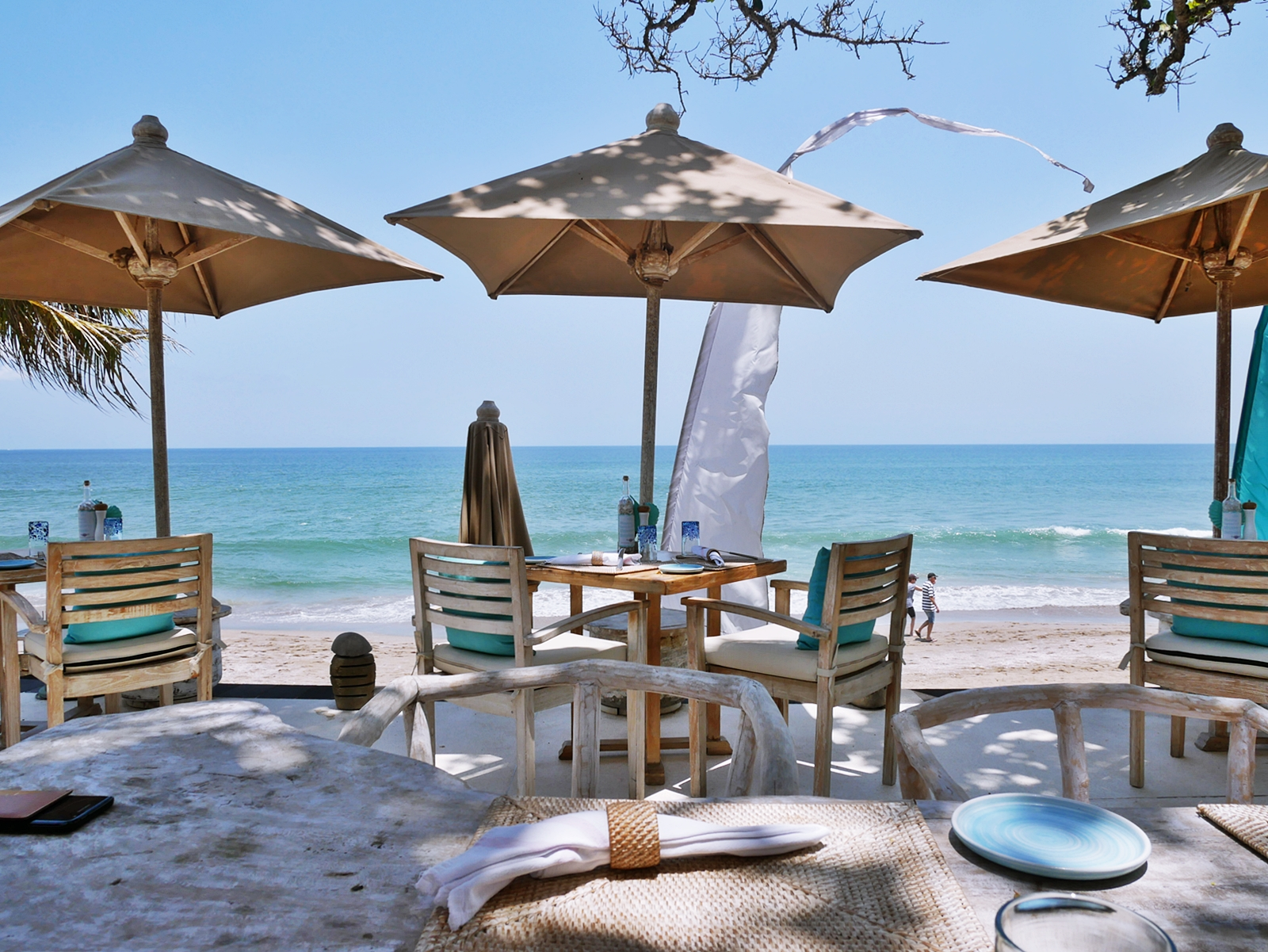 DELUXSHIONIST LUXURY TRAVEL - A TRANQUIL MOMENT AT THE SEMINYAK BEACH RESORT