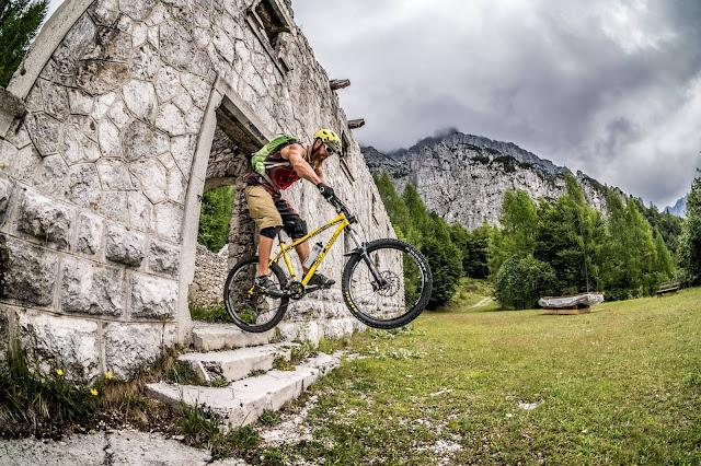 Biken in alten Ruinen MTB