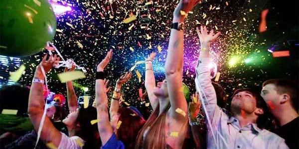 नए साल के जश्न में देर रात तक झूमता रहा शहर
