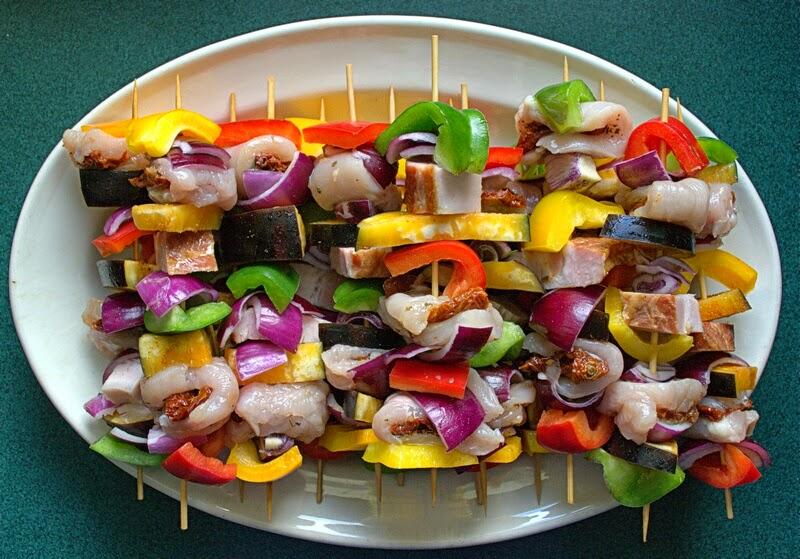grill, co na grilla, szaszlyki, weekend, majowka, ogrod, szaszlyki drobiowe, rozpalamy grill, jak zrobic szszlyki,  na ruszcie, grill fit, szszlyki z warzywami, blog, zycie od kuchni