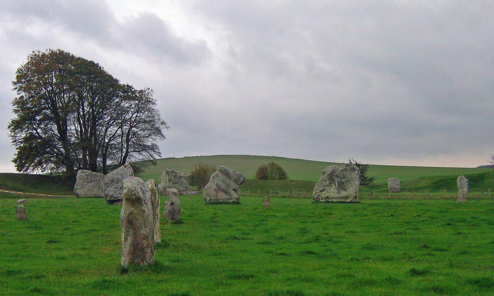Walk The Landscape News Walking In Wiltshire Avebury Stone Circle