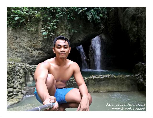 FaceCebu Blogger, Mark Monta at Montaneza Waterfalls