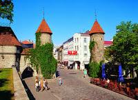 Porte et rue Viru