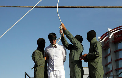 Public execution in Iran (file photo)