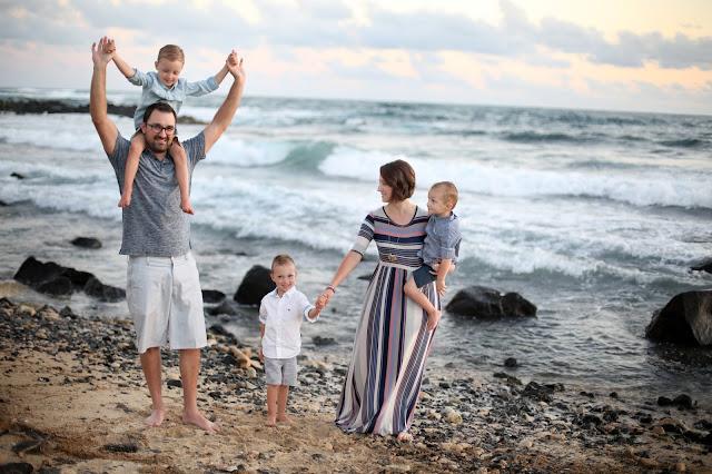 chelsea winterholler kauai family portrait