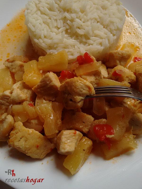 Delicioso pollo con piña