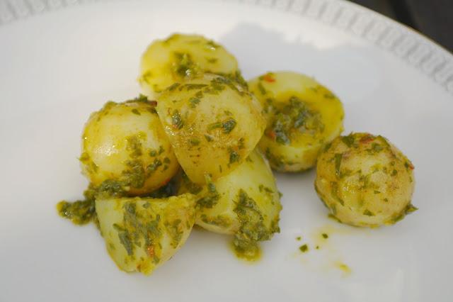 potatissallad med chimichurri
