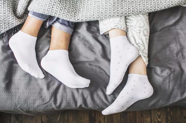 Wearing Socks At Night Benefits/Medical News Today