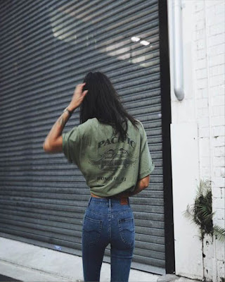 foto tumblr urbana con outfit casual juvenil