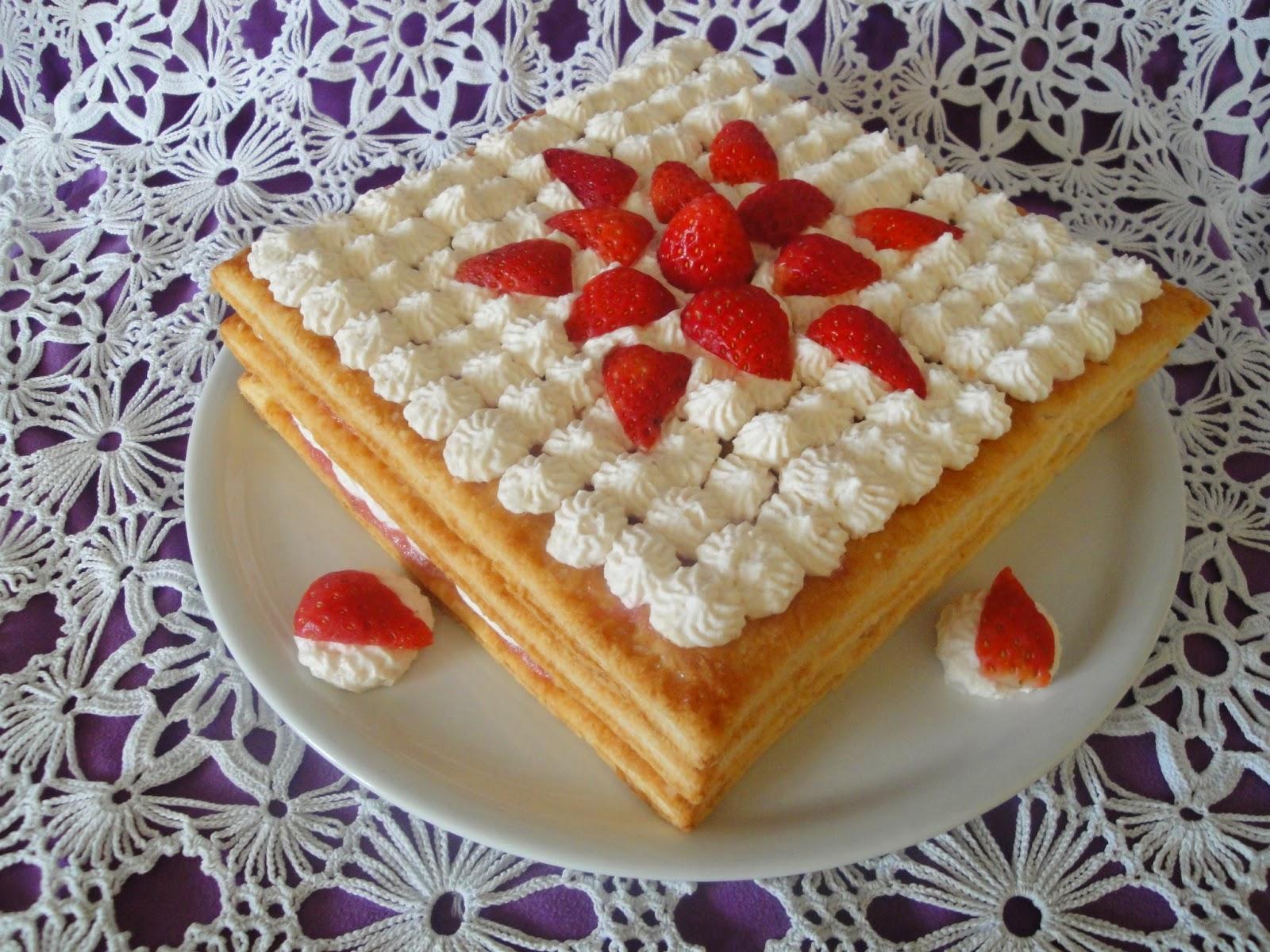 Arcobaleno di zucchero millefoglie alle fragole for Decorazione torte millefoglie
