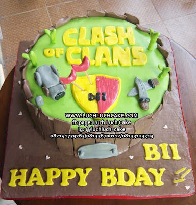 Clash of Clans Fondant Cake