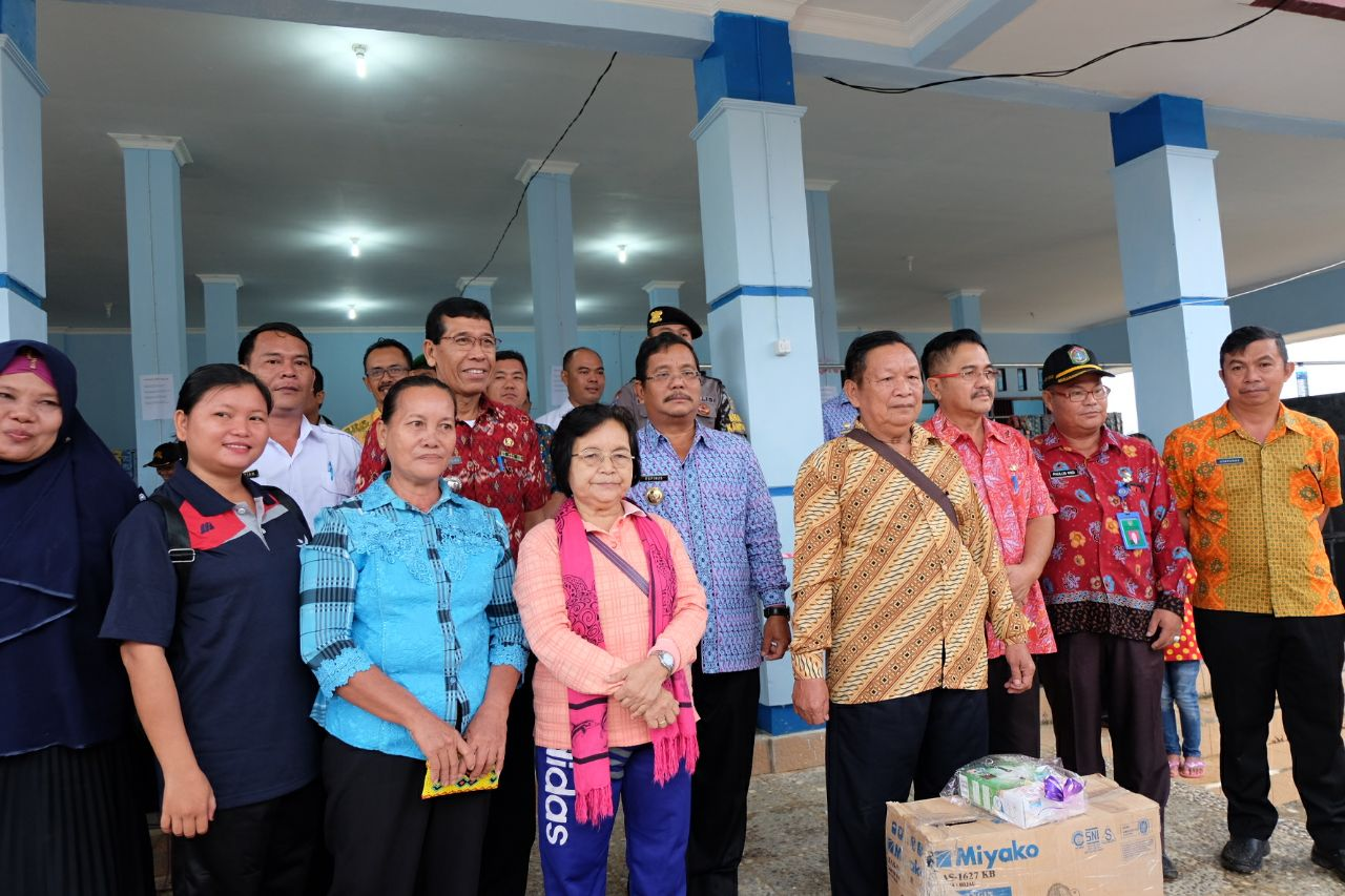 Foto 13: Peresmian Empat Pasar Rakyat di Kabupaten Sekadau di Resmikan oleh Bupati Sekadau, Jumat (6/4/2018).