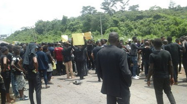 oou students protest death colleagues