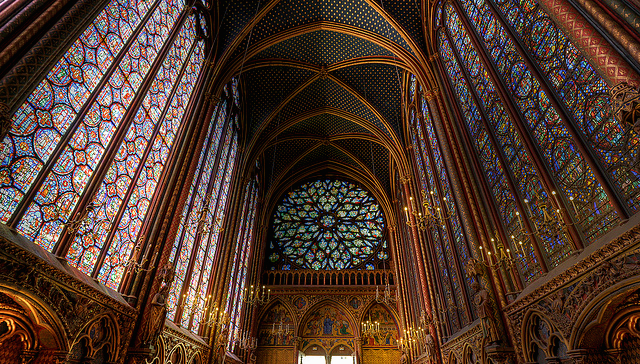 The Sainte Chapelle is located in the middle of Paris