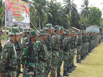 Prajurit TNI-AD Gelar Operasi Teritorial (Opster) di Kokoda Utara