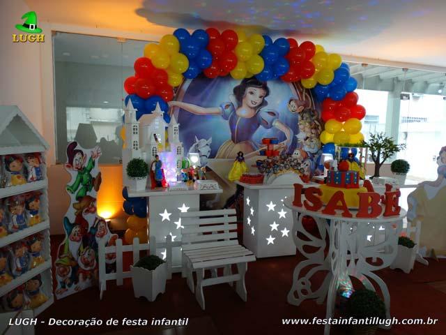 Decoração temática Branca de Neve - Festa de aniversário infantil - Mesa provençal simples