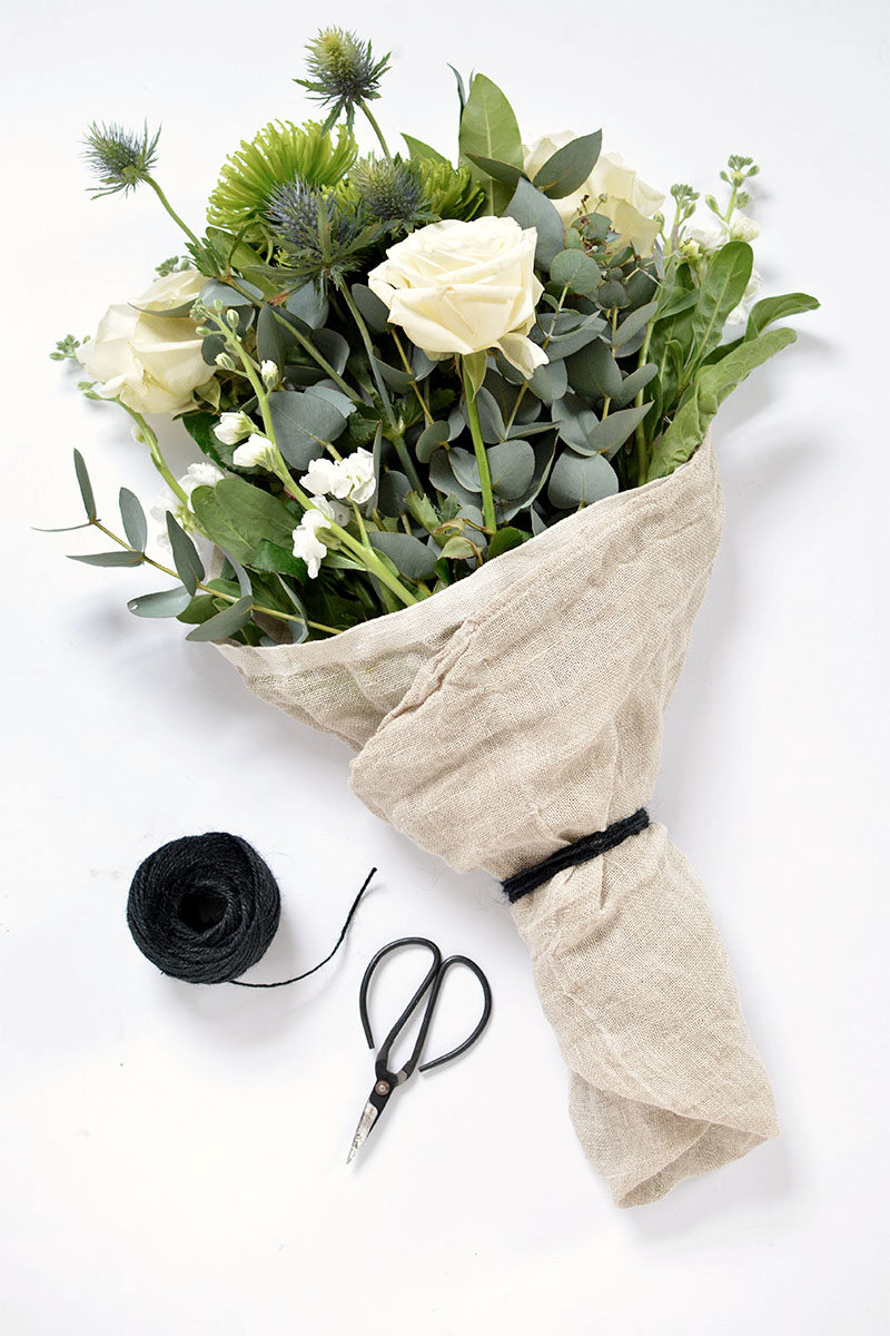 4 ways to wrap a flower bouquet | BURKATRON