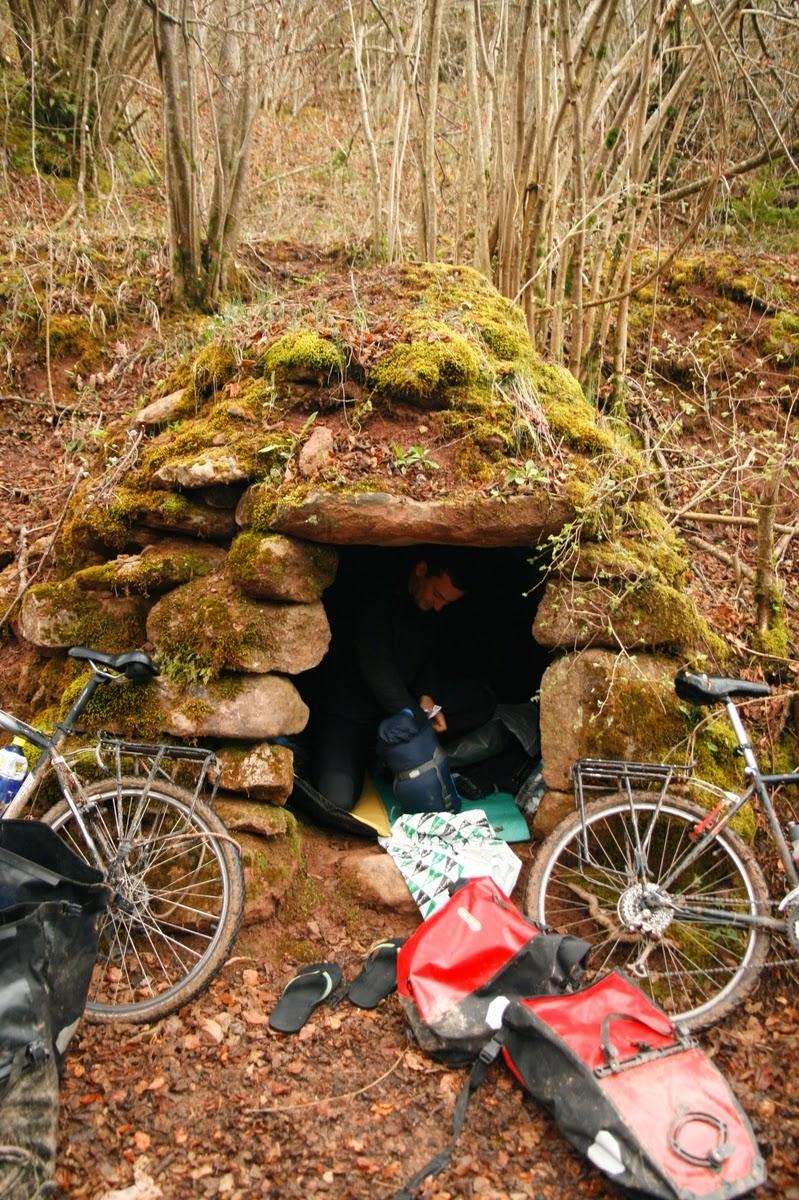 Refugio improvisado durante ruta cicloturista