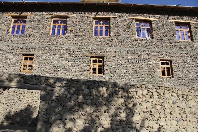 Ouzbékistan, Sentyab, maisons, pierres sèches, construction, © L. Gigout, 2012