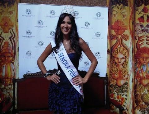 Coronación de Silvia Cornejo, Señora Perú 2011 (Mrs. Peru World 2011)