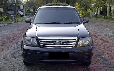 Eksterior Ford Escape Facelift Pertama