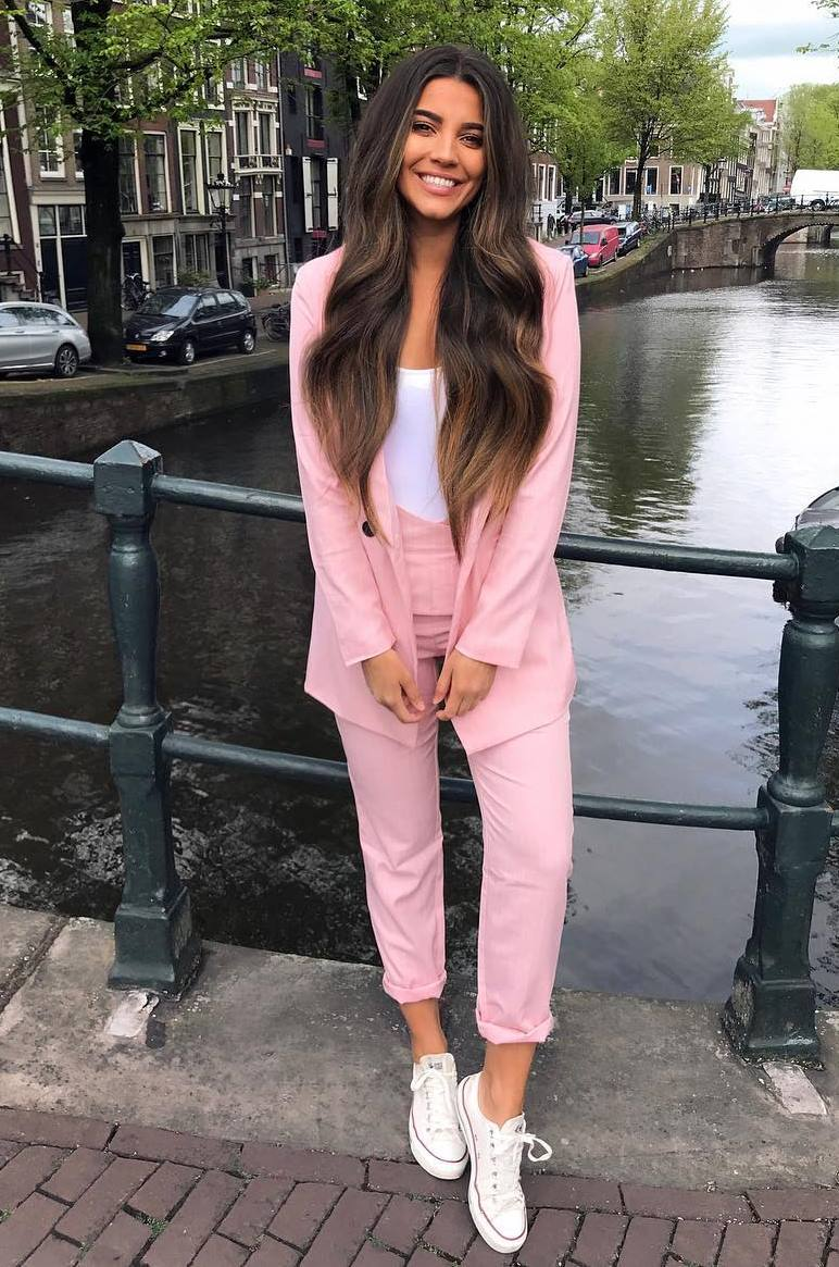 perfect look_pink suit and white details